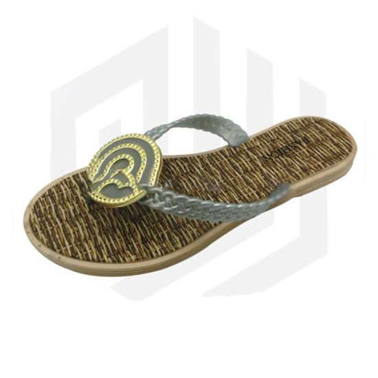 b5f752709 China Bamboo Weave Printed Insole Round Ornaments Cheap Slippers ...