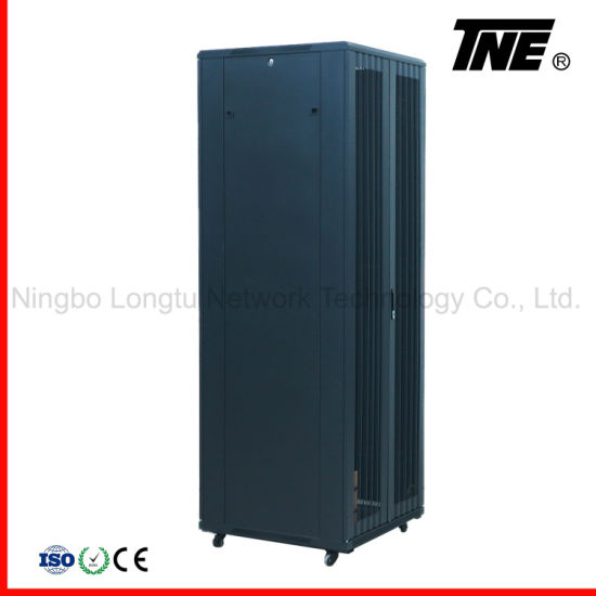 47u 800X800 Server Cabinet with Bi-Fold Perforated Door pictures & photos