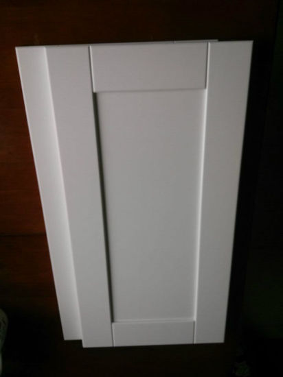 White Shaker Style Doors Solid Wood Kitchen Cabinet pictures & photos