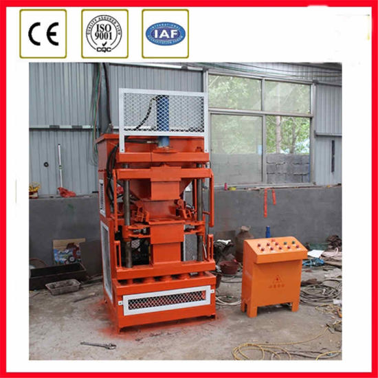 Made in China Cheapest Manual Clay Interlocking Bricks Machine pictures & photos