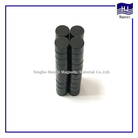 Neodymium Wafer Magnets with Black Epoxy pictures & photos