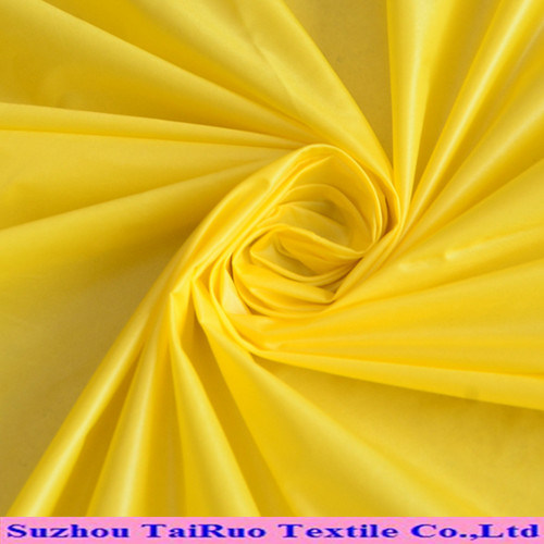 The Poly Fabric of Taffeta for The Garment Fabric
