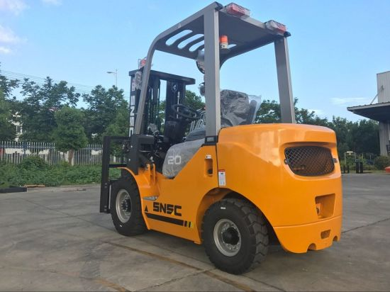 2t Diesel Isuzu C240 Engine Forklift with Ce pictures & photos