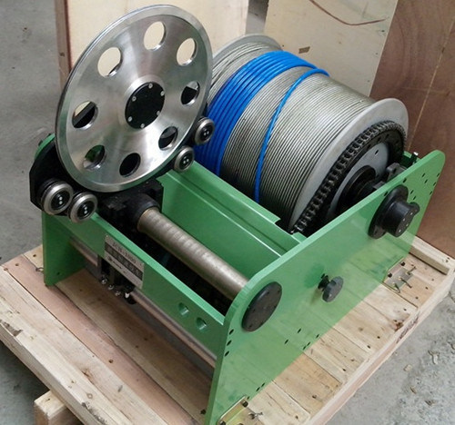 Tractor Logging Winch, Cable Pulling Winch Machine, Well Logging Winch, Long Cable Winch, Cable Winch Puller and Cable Pulling Hydraulic Winch pictures & photos