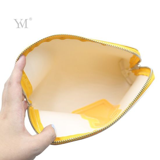 Make in China Leather Cosmetic Bag Professional PVC White Make up Bag for Girl pictures & photos