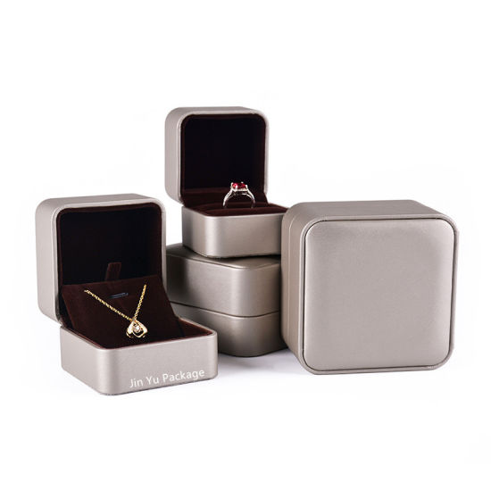 High Quality Brown Color Plastic Leather Hinge Jewelry Packaging Box pictures & photos