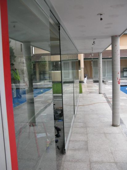 Movable Frameless Glass Wall for Office and Shopping Mall pictures & photos