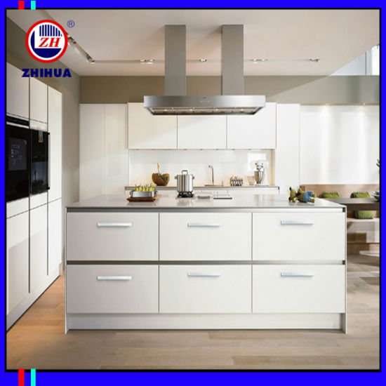 Pure White Colour Kitchen Cabinet (FY031) pictures & photos