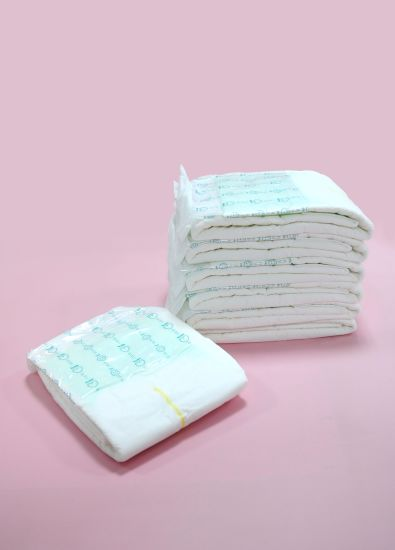 Wood Fluff Pulp/Sap/Non Woven Fabric /Cotton Adult Diaper pictures & photos