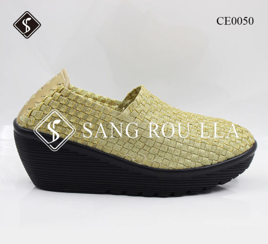 Wedge Heel Weave Shoes with Close Toe pictures & photos
