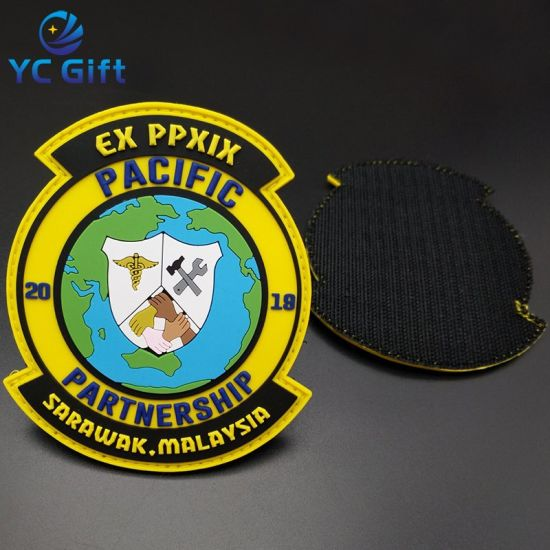China Customized Apparel Accessories Woven Label Heat Transfer PVC Rubber Clothing Label Sticker Military Souvenir Decorative Name Patches for Wholesale (PT08)