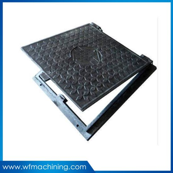 Sand Casting Cast/Wrought Iron Drain/Grate/Manhole/Frame Cover with Black Painting pictures & photos