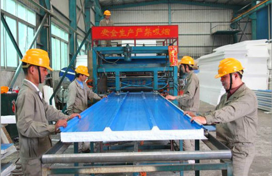 EPS Sandwich Panel Production Line Roofing Sheet Forming Machine pictures & photos