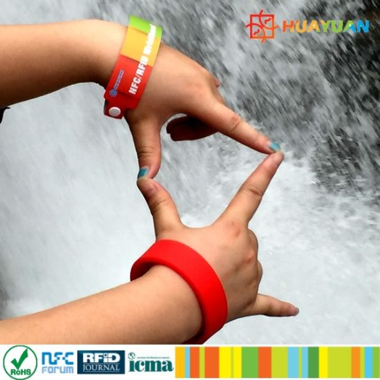 MIFARE Classic 1K Rewearable Smart RFID Bracelet Wristband for waterpark pictures & photos