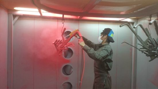 Manual Batch Powder Spray Booth with Mono Cyclone Recovery System pictures & photos