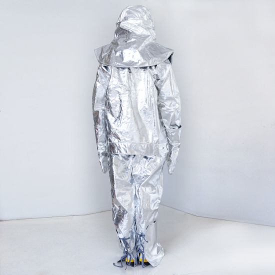 da9b4a415f98 China New Aluminum Foil Fire-Proof Suit