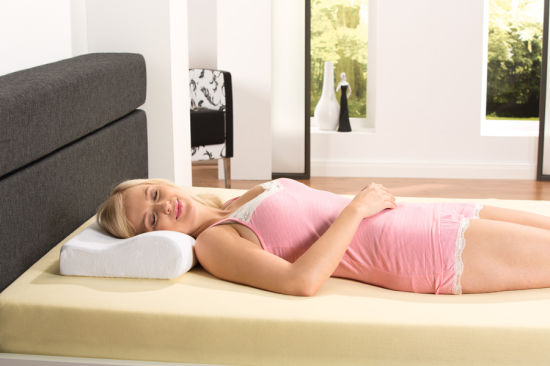 New Design Super Cool B-Shaped Memory Foam Pillows (YFP019) pictures & photos