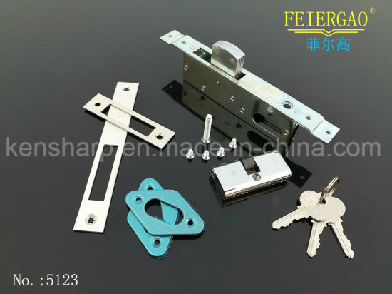 41054 Most Popular Brass Sliding Door Lock with Key Lock/Cylinder Lock pictures & photos