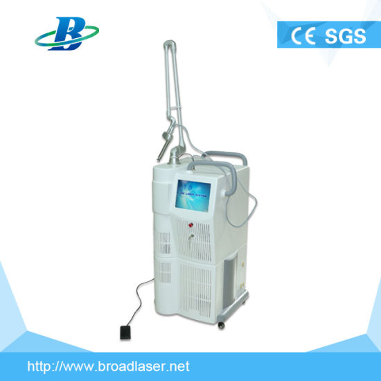 Hot Sales 10600nm 60W Laser CO2 Fractional Laser Stretch Marks Removal/Vaginal Tightening pictures & photos