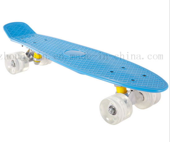 OEM Colorful Kids Plastic Skate Skateboard with LED Flashing Wheel pictures & photos