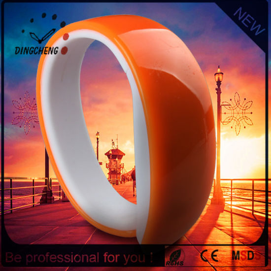 Vogue Silicone Bracelet LED Wristwatch Brand Watch (DC-1131)