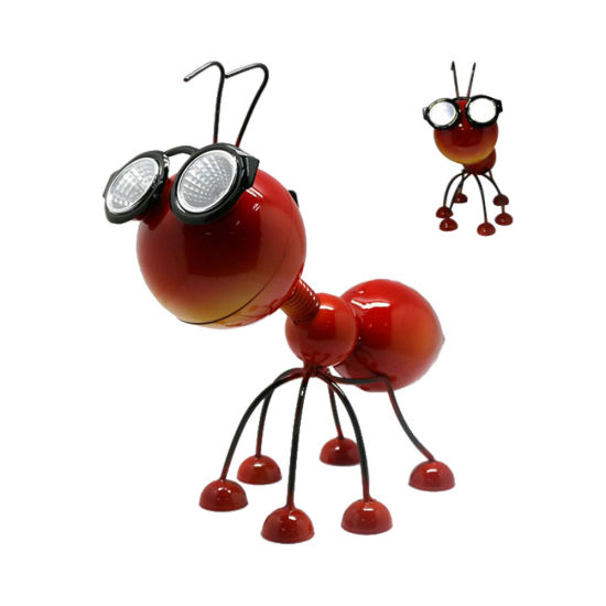 Metal Garden Art Decoration, Steel Red Ant Figurine with Solar Powered LED for Yard, Patio, Lawn and Garden Decor and Ornament Outdoor and Indoor Statue Lights