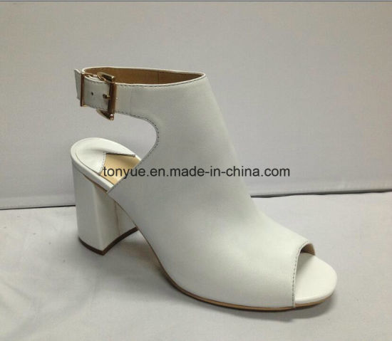 Lady Kid Leather Square Heel Women Sandals pictures & photos