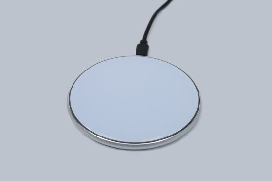 Mobile Cell Phone Qi Wireless Charger with USB Fast Charging Station 15W