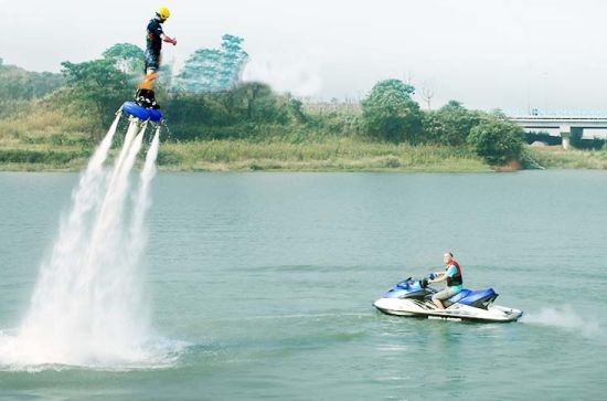 Latest Generations Under Feet Propulsion Exciting Under Feet Propulsion Water Jet Pack pictures & photos