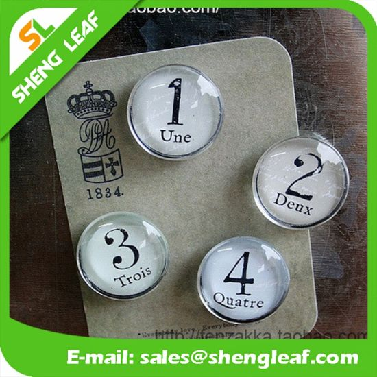OEM Custom Wholesale Fashion Design Numbers Crystal Glass Fridge Magnets pictures & photos