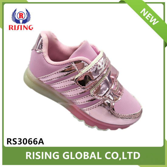 New Children Light up Shoes Kids LED Color Sports Shoes pictures & photos