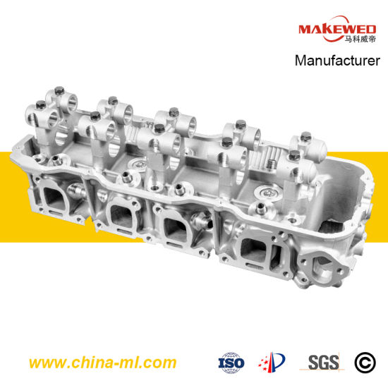 China Z24 2 4 Cylinder Head for Nissan D21 11041-20g13