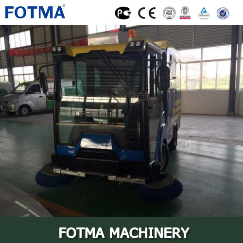 Lithium Battery Cabin Road Sweeper pictures & photos