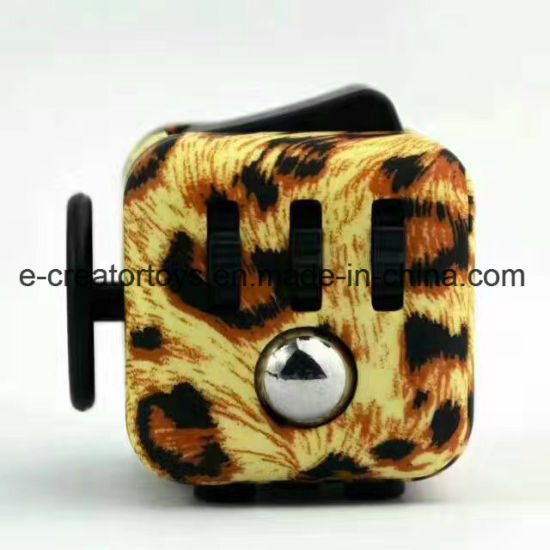 2017 The Hottest Selling of Fidget Cube pictures & photos