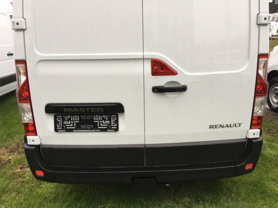 Custom Vehicle Reverse Camera for Renault Master pictures & photos