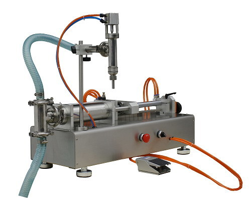 Automatic Linear Type Liquid Filling Machine