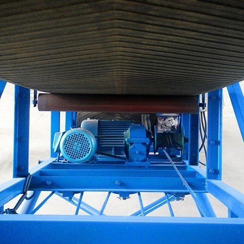 Agricultural Mobile Belt Conveyor for Transporting Bags pictures & photos