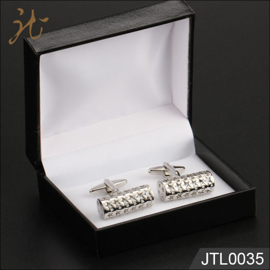 Nice High Quality Metal Brass Cufflinks in Gift Box pictures & photos