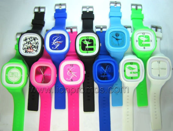 Cheap Promotional Events Gift Children Silicone Quatz Watch pictures & photos