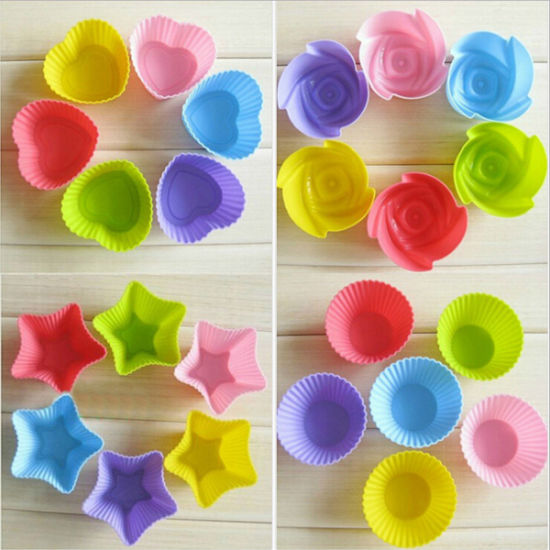 Reusable and Non-Stick Silicone Donuts Mold Muffin Cup Cake Mould