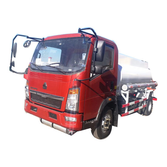 Factory Outlet Selling HOWO Light 4X2 Type LHD and Rhd Capacity Oil 5000liters Fuel Tank Truck Specification for Sale