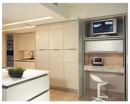 Customize New Modern UV Glossy Wood Kitchen Cabinet Furniture