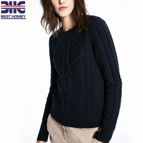 Classic Cable Knitted Winter Sweaters Crew Neck Long Sleeve Thick for Women Navy Color pictures & photos