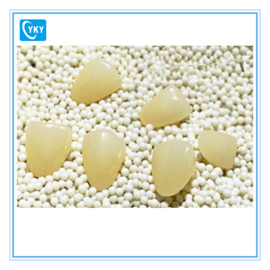 High Strength and Translucency Dental Zirconia Disc for Crowns pictures & photos