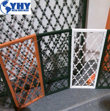 Military Razor Barbed Wire Welded Wire Mesh Fence/Welded Razor Wire Mesh