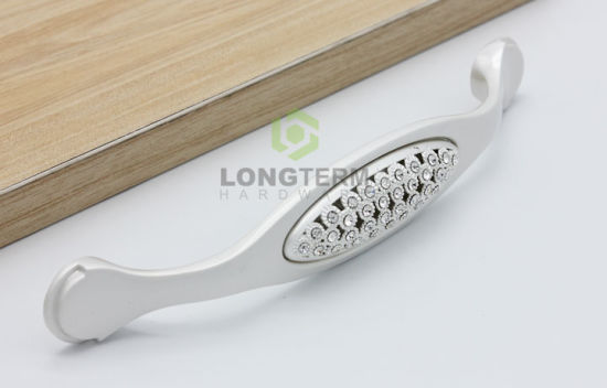 Modern New Design Silver White Crystal Handle for Furniture Cabinet pictures & photos