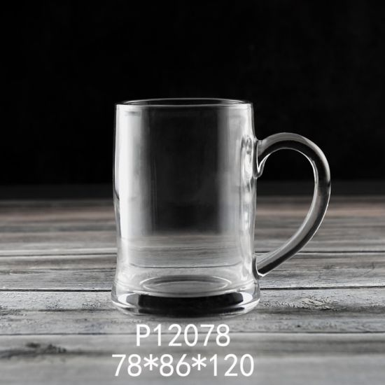 2020 New Item 400ml 14 Oz Glass Cup Glassware High Quality Wholesale Price High White Material Hot Sales Classic Large Beer Glass Mug with Handle (P12078)