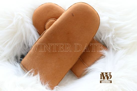 Merino Sheepskin/Lamb Wool/ Fur/Leather/Shearling Ladies/Women Fashion Nappa/Suede Glove/Mitten with Handsewn and Leather Cover Cuff