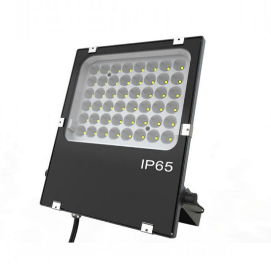 New Released 45W LED Floodlight with Narrow Angle (8/15/35/60/90 degree) pictures & photos