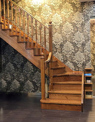 Modern Indoor Solid Wood Stairs pictures & photos